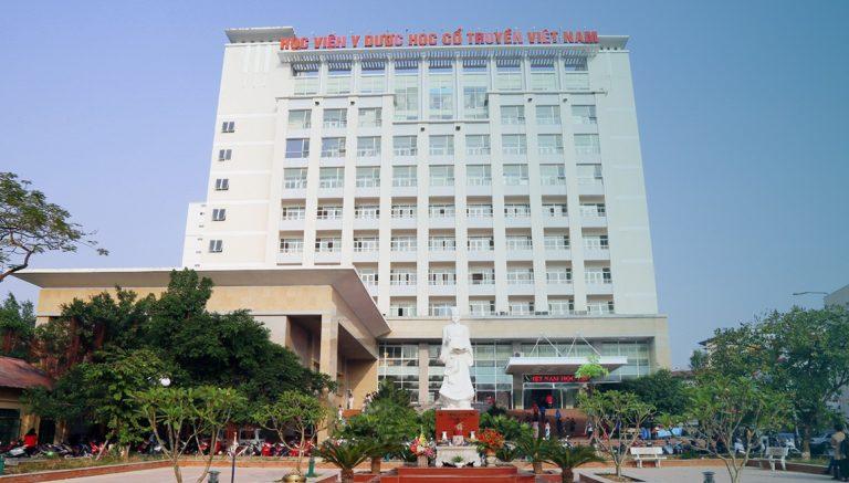Lương y Đỗ Minh Tuấn theo học Học viện Y dược học cổ truyền Việt Nam