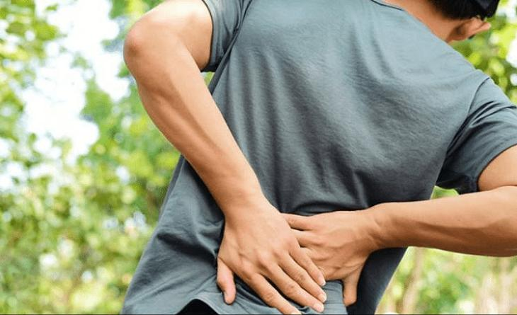 Đau thắt lưng, đau vùng mông.. là những triệu chứng điển hình của bệnh