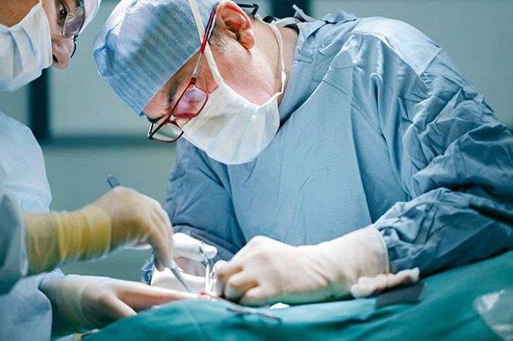 Phẫu thuật được xem là biện pháp cuối cùng được tính đến để chữa bệnh