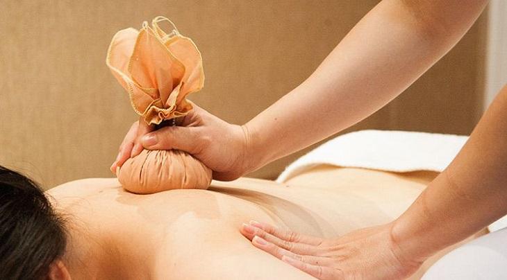 Người bệnh có thể áp dụng những biện pháp chườm bằng nhiệt tại nhà để chữa bệnh