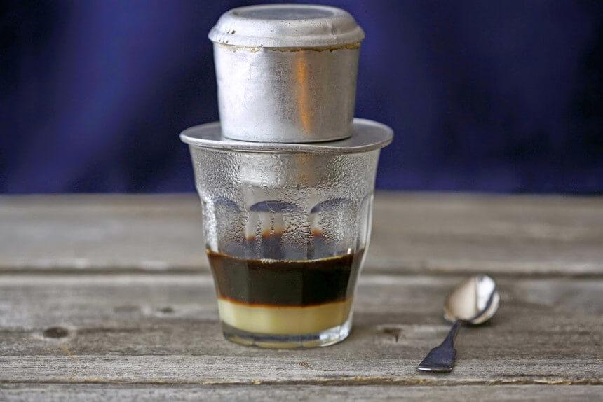 Hạn chế cà phê tụ tập mùa dịch