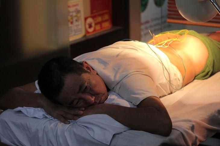 Chú Đăng điều trị thoát vị đĩa đệm bằng phượng pháp châm cứu tại nhà thuốc Đỗ Minh Đường