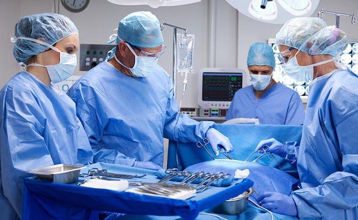 Phẫu thuật là một phương án cần thiết để điều trị thoát vị