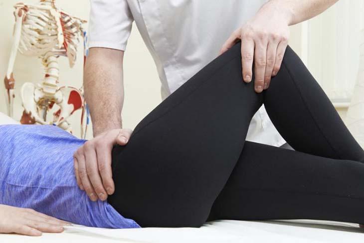 Trong điều trị thoái hóa khớp háng, phương pháp bảo tồn luôn được ưu tiên sử dụng