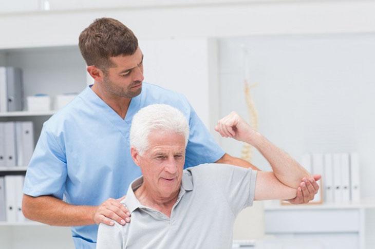 Phương pháp điều trị được đưa ra dựa trên tình trạng bệnh cụ thể của từng người