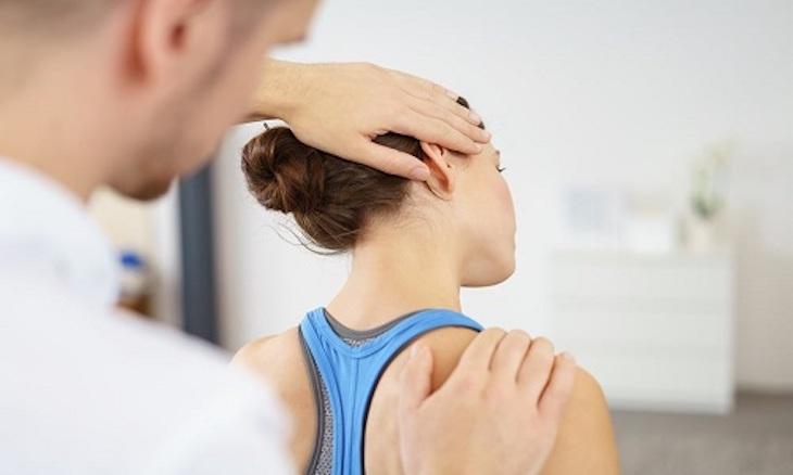Vật lý trị liệu điều trị hẹp ống sống cổ