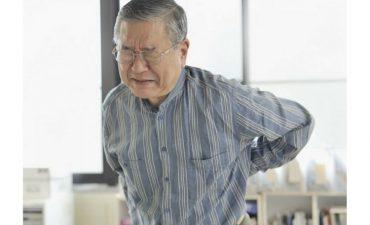 Bệnh đau nhức xương khớp thường gặp ở người trung niên, người cao tuổi