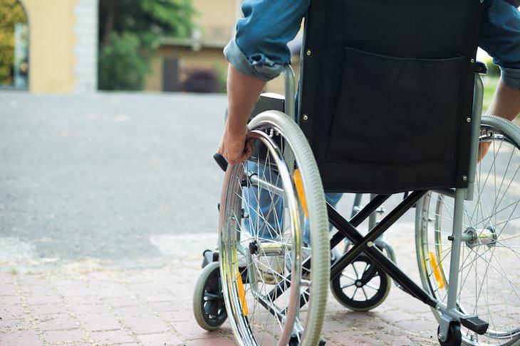 Lệch đĩa đệm nếu không điều trị sớm có nguy cơ dẫn đến bại liệt rất cao