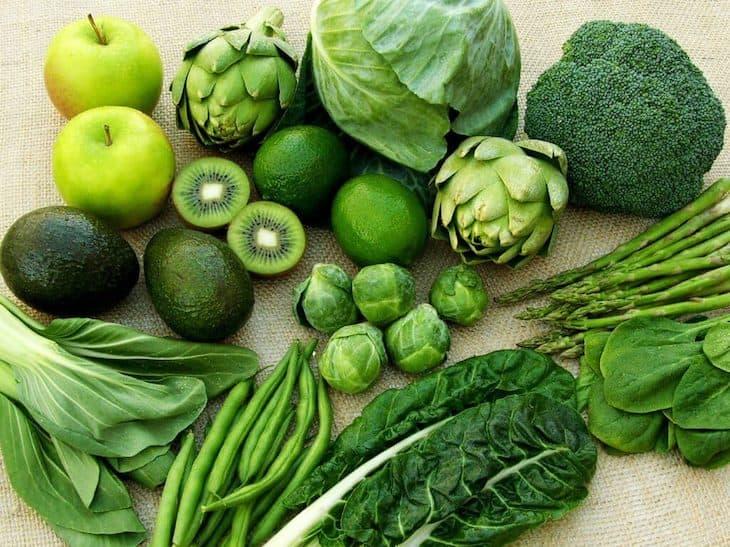 Thoái hóa khớp gối nên ăn gì? Bổ sung nhóm rau xanh