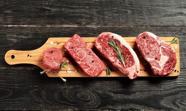 Hạn chế ăn nhóm thịt đỏ hàng ngày
