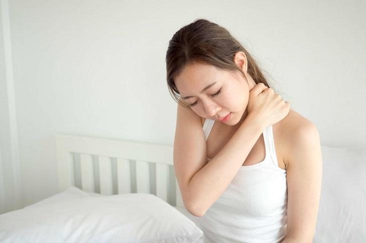 Lưu ý ngủ sai tư thế có thể khiến bệnh nặng thêm