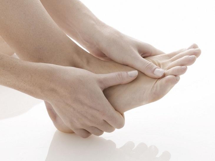 Đau mu bàn chân là dấu hiệu bệnh gì?