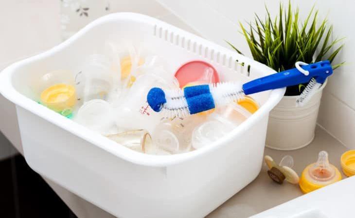 Vệ sinh sạch sẽ bình bú thường xuyên là biện pháp phòng tránh bệnh hiệu quả