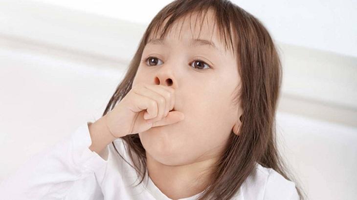 Trẻ bị ho liên tục là dấu hiệu cảnh báo nguy hiểm
