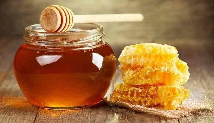 Trong mật ong có chứa nhiều thành phần có tác dụng ức chế vi khuẩn và hạn chế tình trạng hơi thở có mùi
