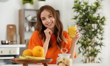 Nước cam là một loại thức uống chứa nhiều chất dinh dưỡng rất tốt cho sức khỏe con người