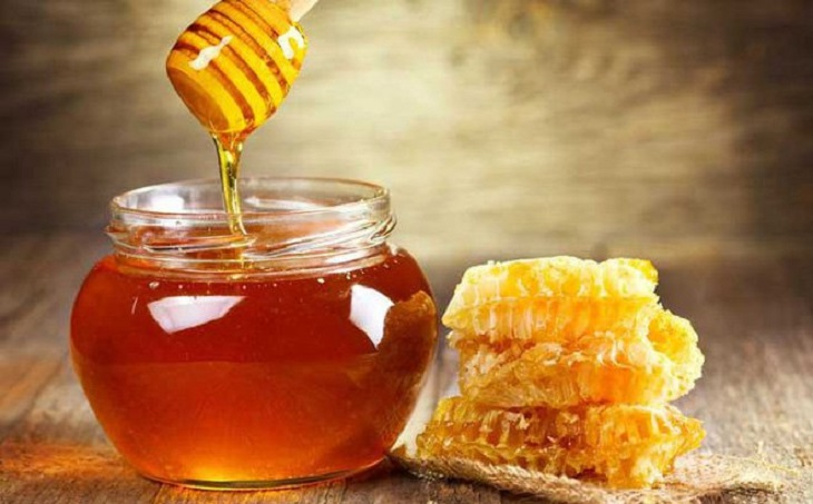 Dùng mật ong sẽ giúp cải thiện các triệu chứng của bệnh