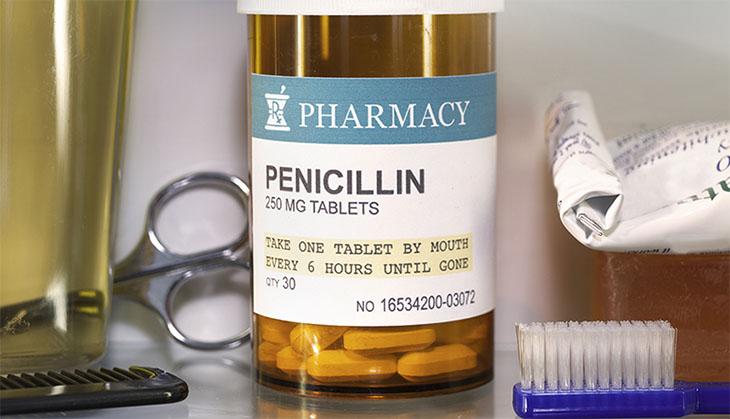 Thuốc Penicillin có tác dụng diệt virus và chống nhiễm khuẩn nên được dùng để điều trị viêm họng do cầu khuẩn hoặc virus gây ra