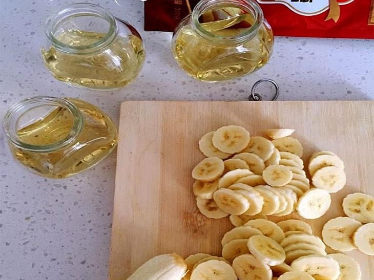 Cách chữa viêm họng hoàn hảo bằng cây lược vàng và giấm chuối