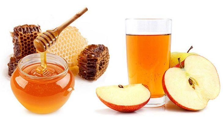 Kết hợp mật ong với giấm táo cũng là phương pháp được nhiều người áp dụng