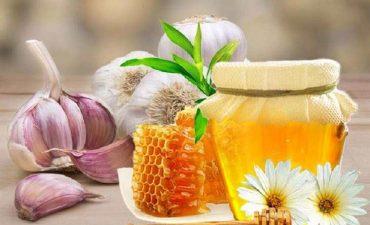 Chữa viêm họng bằng mật ong và tỏi