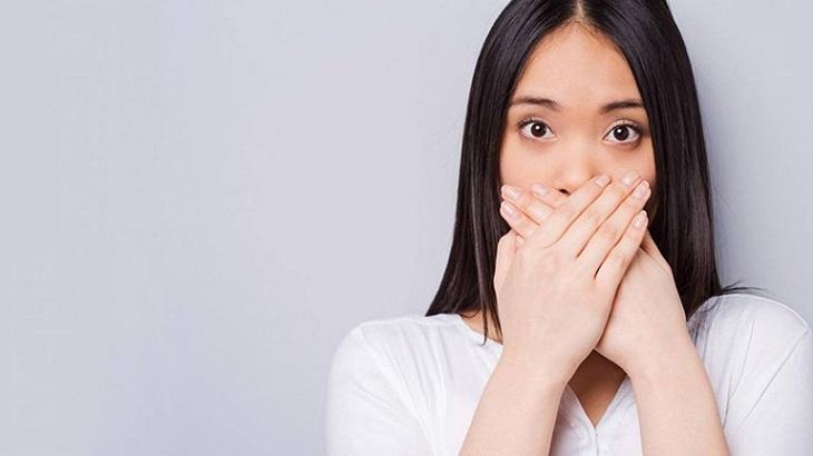Viêm họng hạt gây hôi miệng là nỗi lo lắng của rất nhiều người
