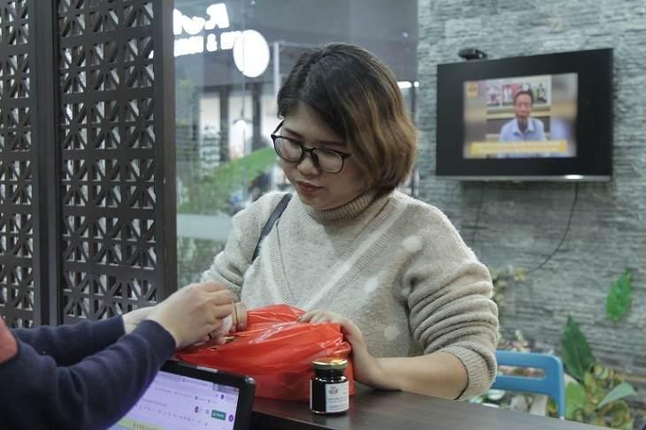 Chị Thanh lấy thuốc tại Đỗ Minh Đường