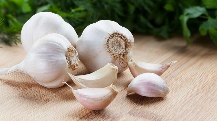 Thêm tỏi vào các món ăn để chữa viêm âm đạo