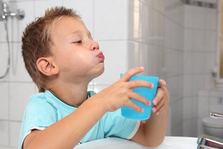 Bố mẹ lưu ý tạo cho trẻ những thói quen tốt để phòng bệnh
