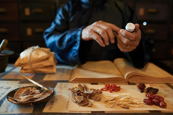 Các bài thuốc Đông y sử dụng để điều trị viêm lộ tuyến có công dụng bổ sung khí huyết