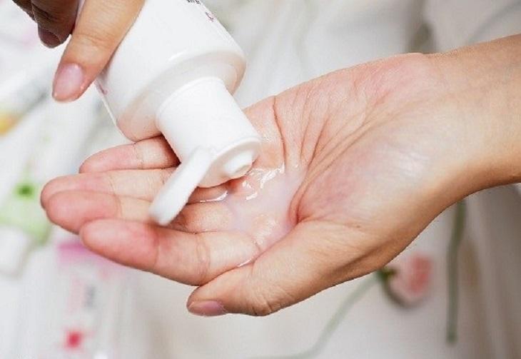 Chị em chú ý đến vấn đề vệ sinh sau khi đốt viêm lộ tuyến để tránh biến chứng khó lường