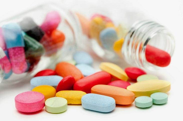 Phương pháp Tây y là một trong những cách chữa bệnh được chị em sử dụng nhiều