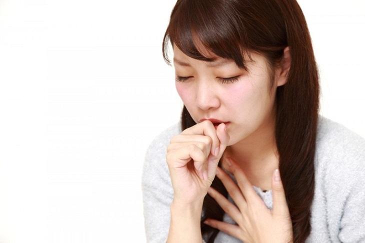 Ho là một trong những triệu chứng thường gặp khi bị viêm xoang bội nhiễm