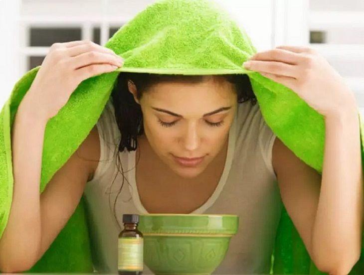 Xông mũi bằng tinh dầu, thảo dược sẽ giúp cải thiện các triệu chứng khó chịu của bệnh