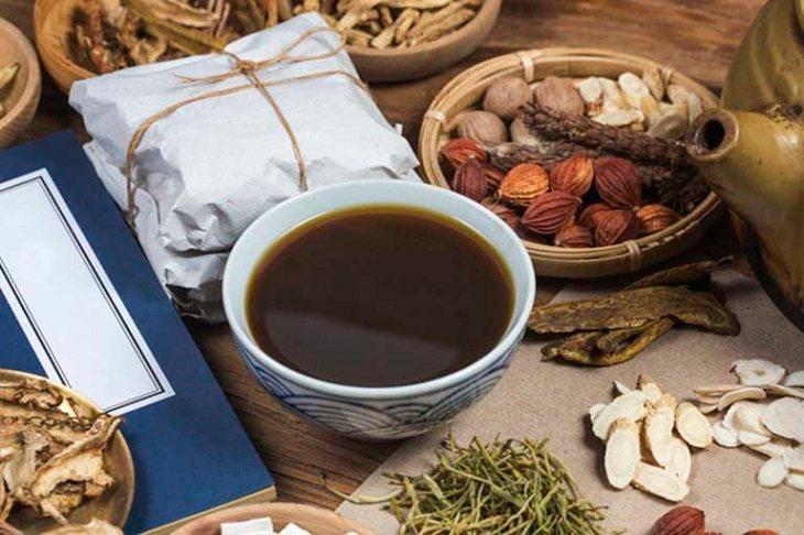 Các bài thuốc Đông y hầu hết được điều chế dạng sắc lấy nước uống
