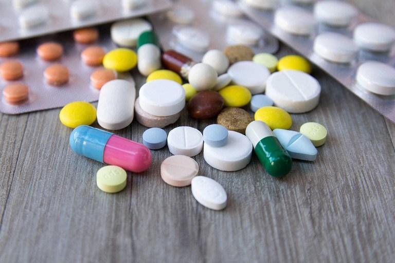 Tự ý dùng thuốc điều trị là sai lầm phổ biến trong điều trị xương khớp