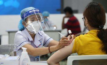 Từ tháng 7 đến nay, nhà nước triển khai tiêm phòng vacxin trên cả nước
